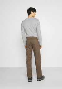 Wrangler - ALL TERRAIN GEAR UTILITY PANT - Cargo trousers - morel - 2