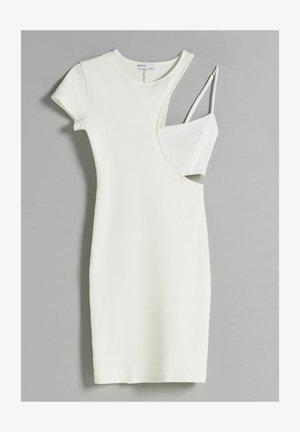 MIT PATENTMUSTER  - Robe fourreau - white