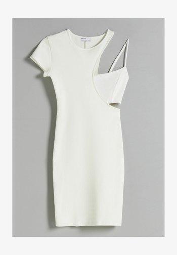 MIT PATENTMUSTER  - Pouzdrové šaty - white