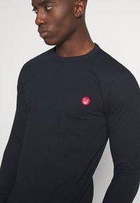 Jack & Jones - JJELONG  - Långärmad tröja - navy blazer - 5
