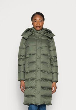 COAT LONG DETACHABLE HOOD WELT POCKETS - Down jacket - fresh moss