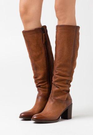 Vysoká obuv - penny