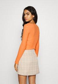 BDG Urban Outfitters - NOORI TIE FRONT - Cardigan - orange - 2