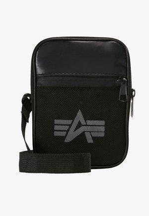 UTILITY BAG REFLECTIVE - Across body bag - black