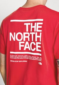 The North Face - MESSAGE TEE - T-shirt con stampa - red - 5