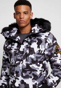 Alessandro Zavetti - OSHAWA PADDED - Winter jacket - khaki - 5