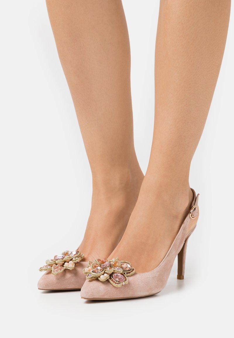 Alma en Pena - Classic heels - old pink