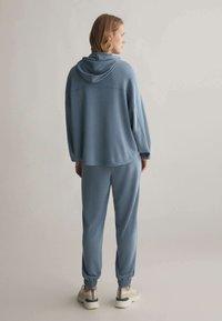 OYSHO - Teplákové kalhoty - blue - 2
