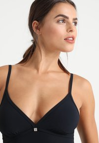 Marc O'Polo - SOLIDS BEACHSUIT - Swimsuit - blauschwarz - 4