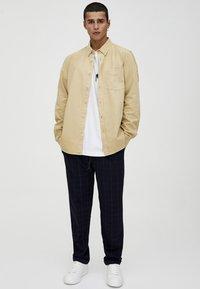 PULL&BEAR - MIT LANGEN ÄRMELN - Shirt - brown - 1