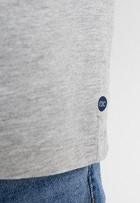 edc by Esprit - PLACED STRIPE - Print T-shirt - light grey - 5