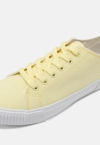 YOURTURN - UNISEX - Sneakers basse -  yellow - 4