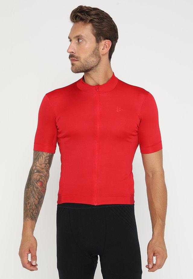 ESSENCE - T-shirts print - bright red