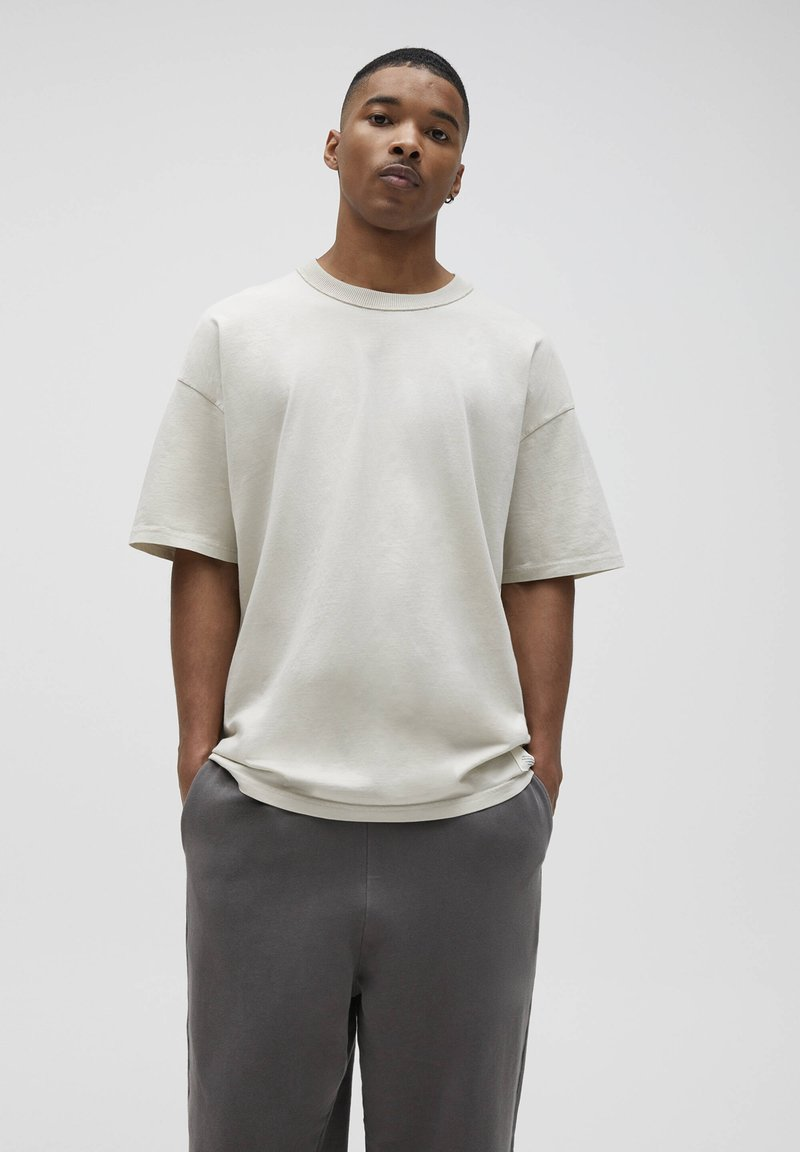PULL&BEAR - LOOSE-FIT - T-paita - beige