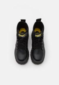 Buffalo - VEGAN ASPHA - Platform ankle boots - black - 4