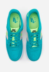 Nike Sportswear - AIR FORCE LV8 FRESH AIR - Trainers - oracle aqua/ghost green/washed coral/white - 3