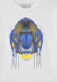 Marcelo Burlon - GORILLA - T-shirt print - white - 2