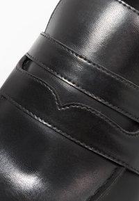 Zalando Essentials - Smart slip-ons - black - 5