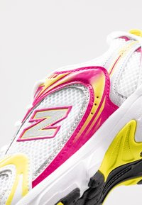 New Balance - MR530 - Trainers - white - 2