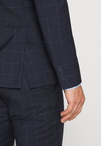 Tommy Hilfiger Tailored - WINDOWPANE SLIM FIT SUIT - Oblek - blue - 6