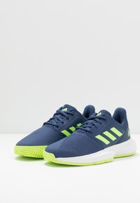 adidas Performance - COURTJAM - Clay court tennis shoes - tech indigo/signal green/footwear white - 2