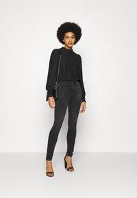 ONLY - ONLPAOLA LIFE  - Jeans Skinny Fit - dark grey denim - 1