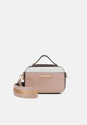 FARI - Handbag - blush combo