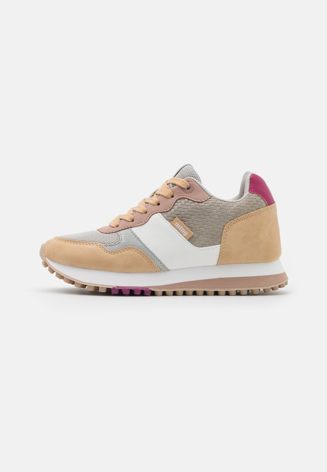 SELVA - Trainers - nude