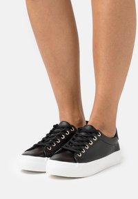 Call it Spring - VIOLETT - Sneakers laag - black - 0