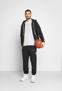 Nike Performance - TEE - T-shirt imprimé - pure - 1