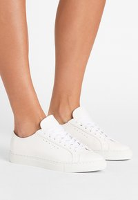 Filippa K - KATE  - Sneakers laag - white - 0