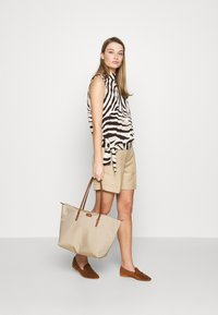 Lauren Ralph Lauren - SHORT - Shorts - birch tan - 1