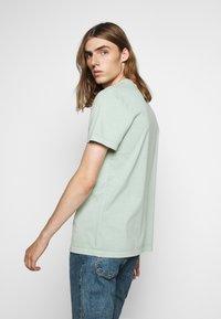 Won Hundred - TROY - T-shirt basic - frosty green - 2