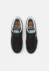 Puma - SUEDE CLASSIC - Sneakers - black/white - 3