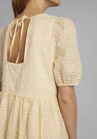 Nümph - NUCAROLLA  - Day dress - brazillian sand - 3