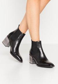 Kennel + Schmenger - ERIN - Boots à talons - schwarz - 0