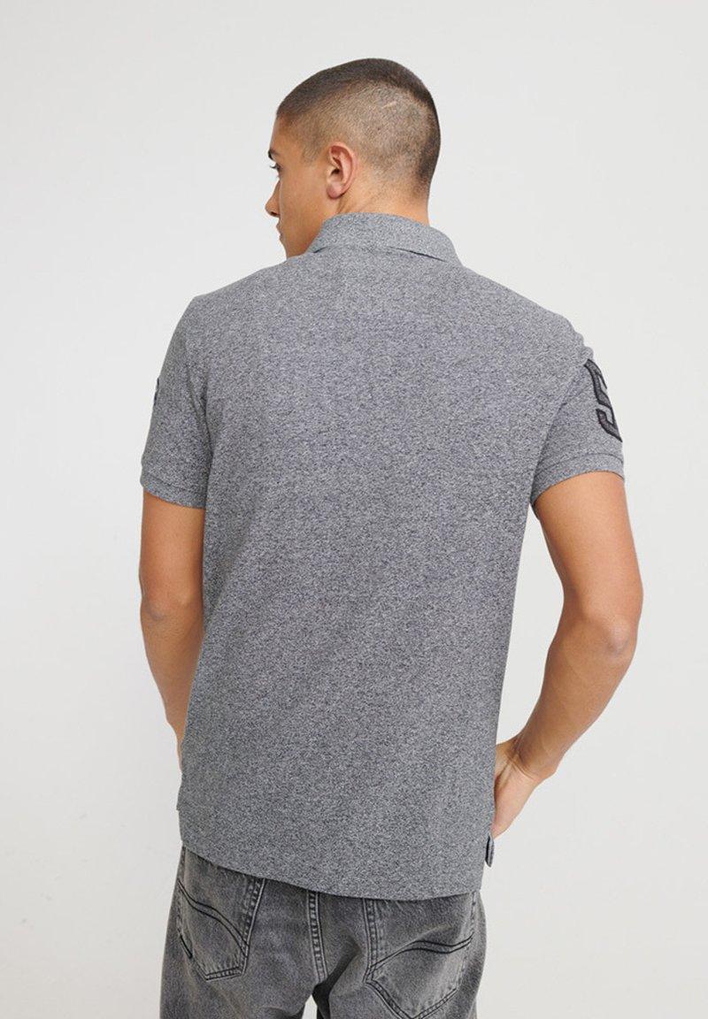Superdry CLASSIC SUPERSTATE - Poloshirt - graphite grit/grau gmVYXa