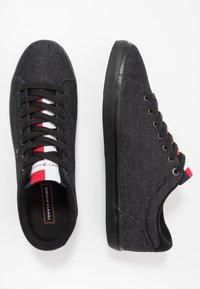 Tommy Hilfiger - ESSENTIAL LONG LACE - Sneakersy niskie - black - 1