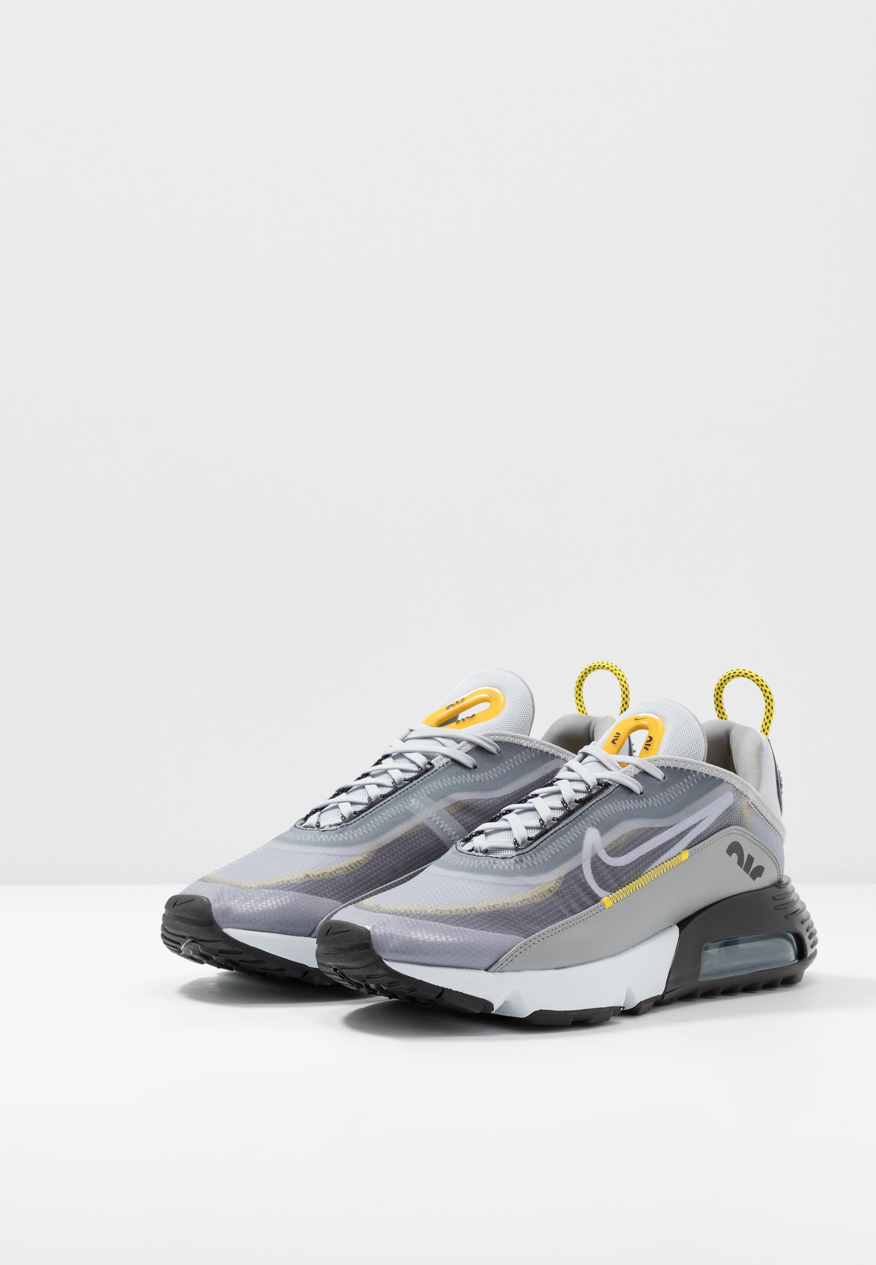 Nike Sportswear AIR MAX 2090 Sneaker low wolf grey/white/particle grey/pure platinum/topaz gold/black/grau