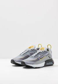Nike Sportswear - AIR MAX 2090 - Sneakers basse - wolf grey/white/particle grey/pure platinum/topaz gold/black - 2