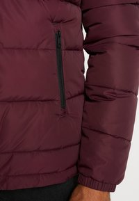 Lyle & Scott - WADDED JACKET - Vinterjakke - burgundy - 3