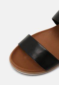Everybody - Sandals - spoletto black - 7