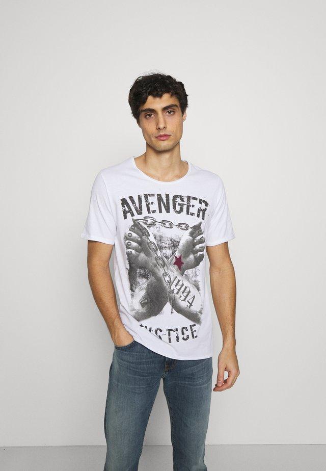 LIBERATE ROUND - T-shirt con stampa - white