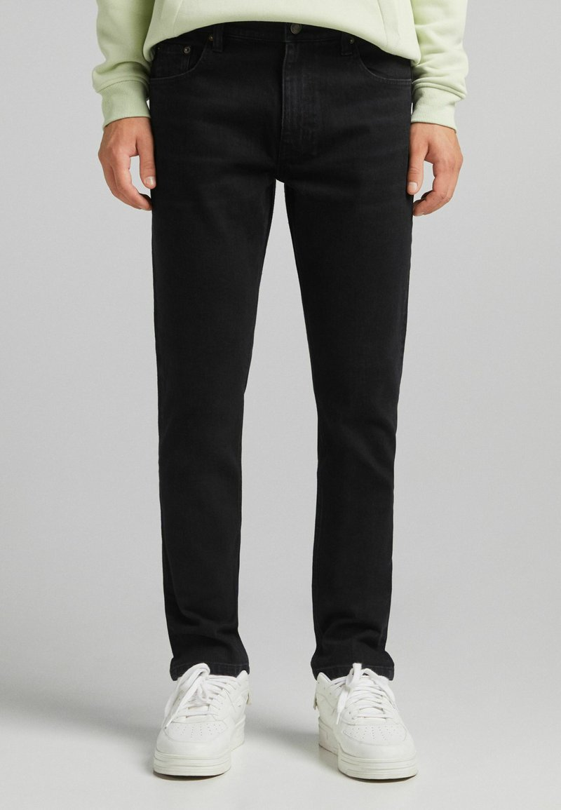 Bershka - SLIM - Slim fit jeans - off-white
