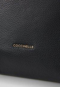 Coccinelle - LIYA  - Kabelka - noir - 4