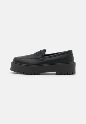 LOWDOWN LOAFER - Platform heels - black