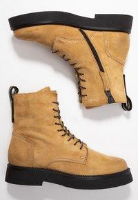MJUS - Kotníkové boty na platformě - bisanzio - 3