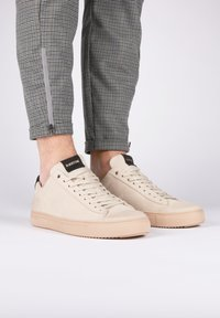 Blackstone - Sneakers - almond milk - 0