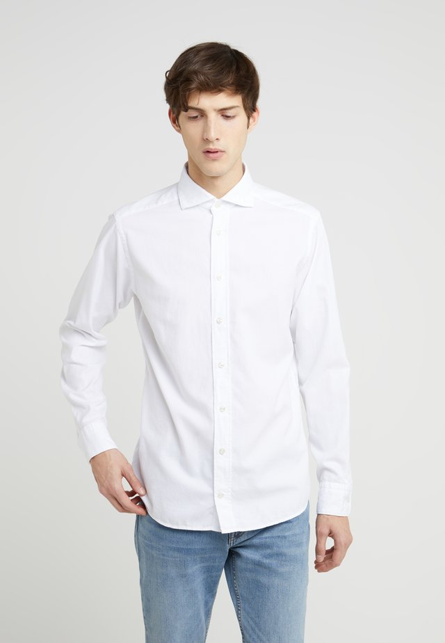 SLIM FIT - Camisa elegante - plain