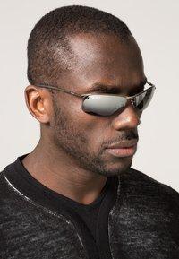 Ray-Ban - TOP BAR - Sunglasses - grey - 0